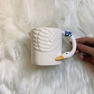 Beautiful Vintage Swan mug